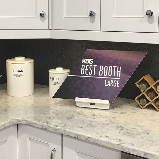 Signature Kitchen Suite just won BEST BOOTH at KBIS. So excited. Thank you @kbis_official @sksappliances for the recognition. A great show.